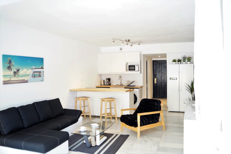 Middle Floor Apartment Puerto Banús