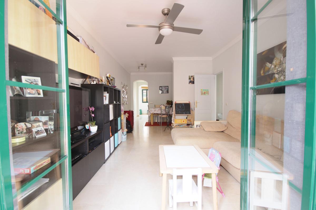 Apartamento en Venta en Atalaya – R3803926