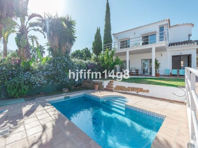 House en Nueva Andalucía R3121921 2