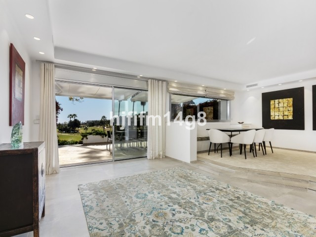 R3653015 | Townhouse in Nueva Andalucía – € 1,200,000 – 3 beds, 2 baths