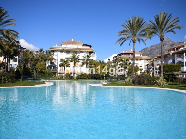 Fantastic ground floor apartment for sale in the well-known complex of LaDama de Noche in an excelle,Spain