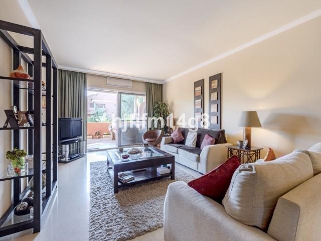 Apartamento en Venta en Puerto Banús – R3594394