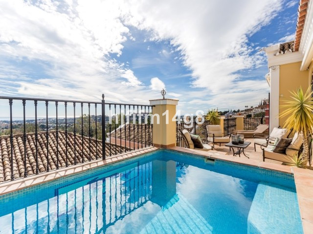 Stunning three bedroom townhouse for sale in Aldea Dorada, a gated complex in the hills of the prest, Spain