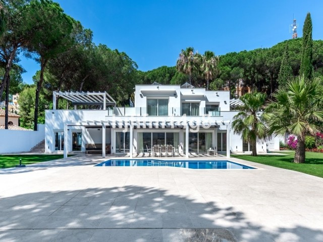 Completely reconstructed in a prime location in Las Brisas, Nueva Andalucia, this luxurious 6 bedroo,Spain