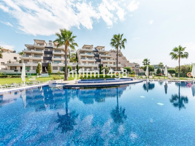 Middle Floor Apartment for sale in Benahavís R3418483