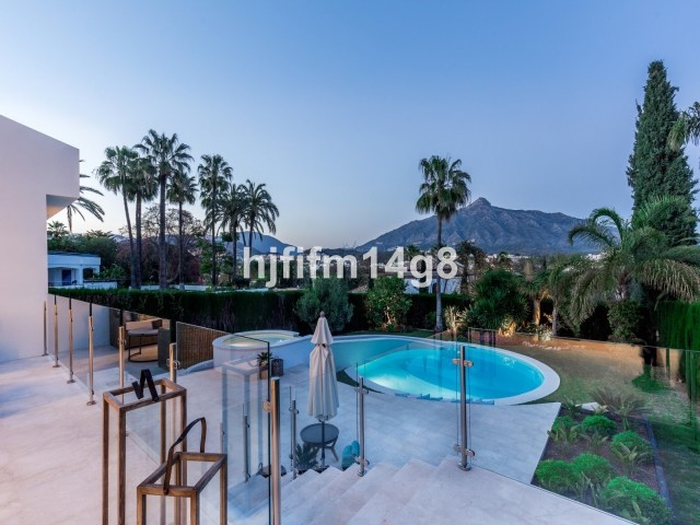 Exquisite four bedroom villa for sale in Las Brisas, Nueva Andalucia. Refubished to the highest of s,Spain