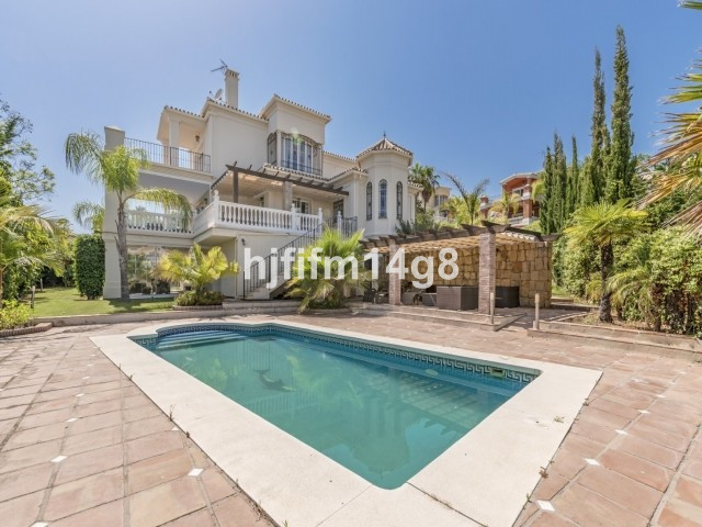 Located in golfers heaven between Los Naranjos and La Quinta golf clubs. This luxurious villa is on ,Spain