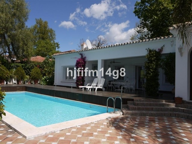 Lovely 3 bedroom bungalow style villa with a spectacular front line golf position in Guadalmina. As , Spain