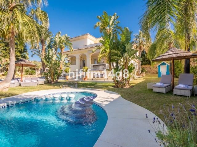 Marbella Banus Villa – Chalet en Venta en Cancelada – R3468193