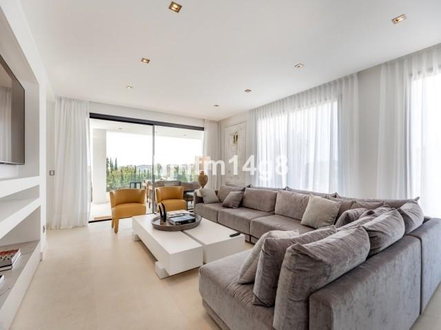 Villa – Chalet, Nueva Andalucía – R3178192