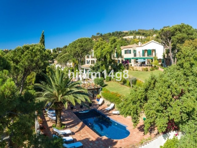 8 Bedroom Villa For Sale in El Madroñal - El Madroñal, Benahavis