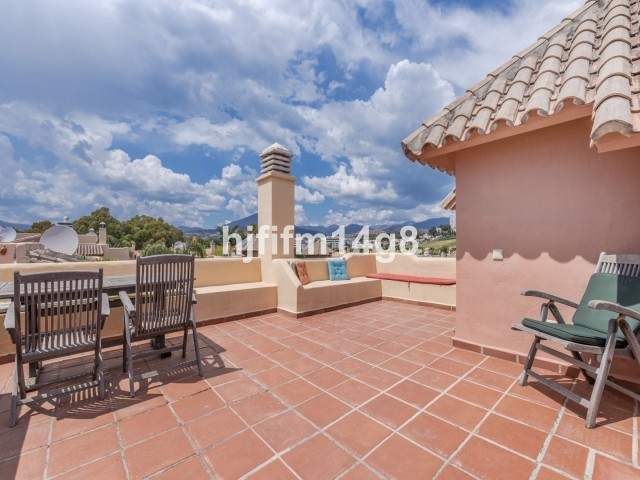 Charming three bedroom townhouse in a convenient location less than 1km to the beaches of Puerto Ban,Spain