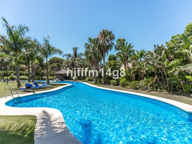 Contemporary and comfortable two bedroom apartment situated in a fantastic location, within easy wal,Spain