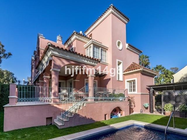 Marbella Banus Villa – Chalet en Venta en San Pedro de Alcántara – R3549454