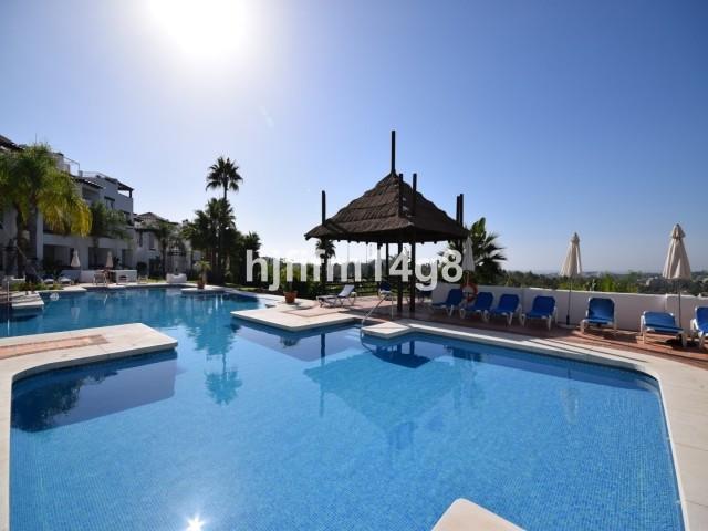Marbella Banus Apartamento Planta Media, Nueva Andalucía – R2750639
