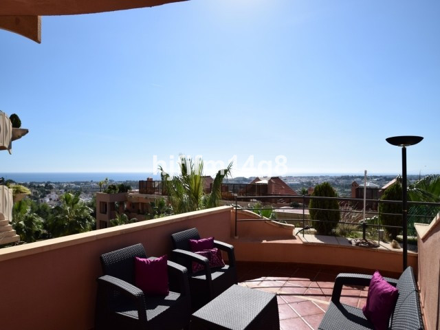 Lovely two bedroom apartment in the exclusive Magna Marbella complex, set in the heart of the Nueva ,Spain