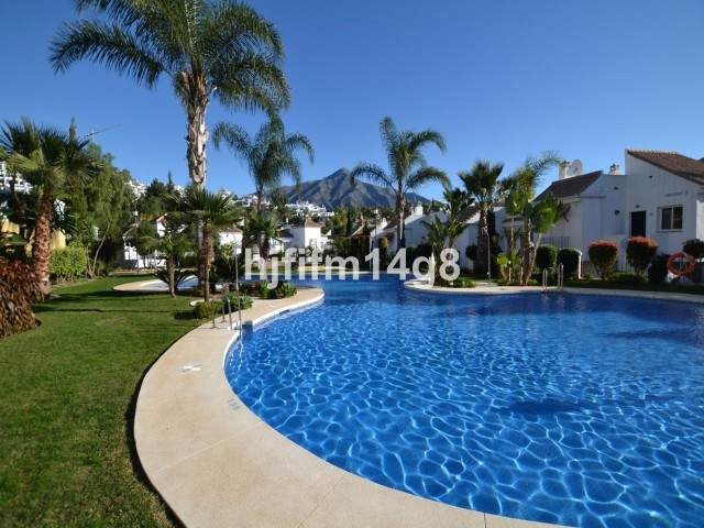 Light and spacious two bedroom first floor apartment for sale in the gated community of Senorio de G,Spain