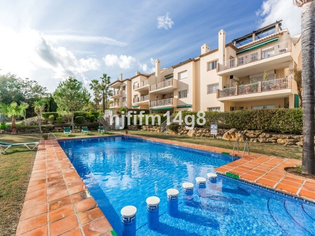 Amazing south/west facing corner Penthouse in a gated community in the beautiful Nueva Andalucia Gol,Spain