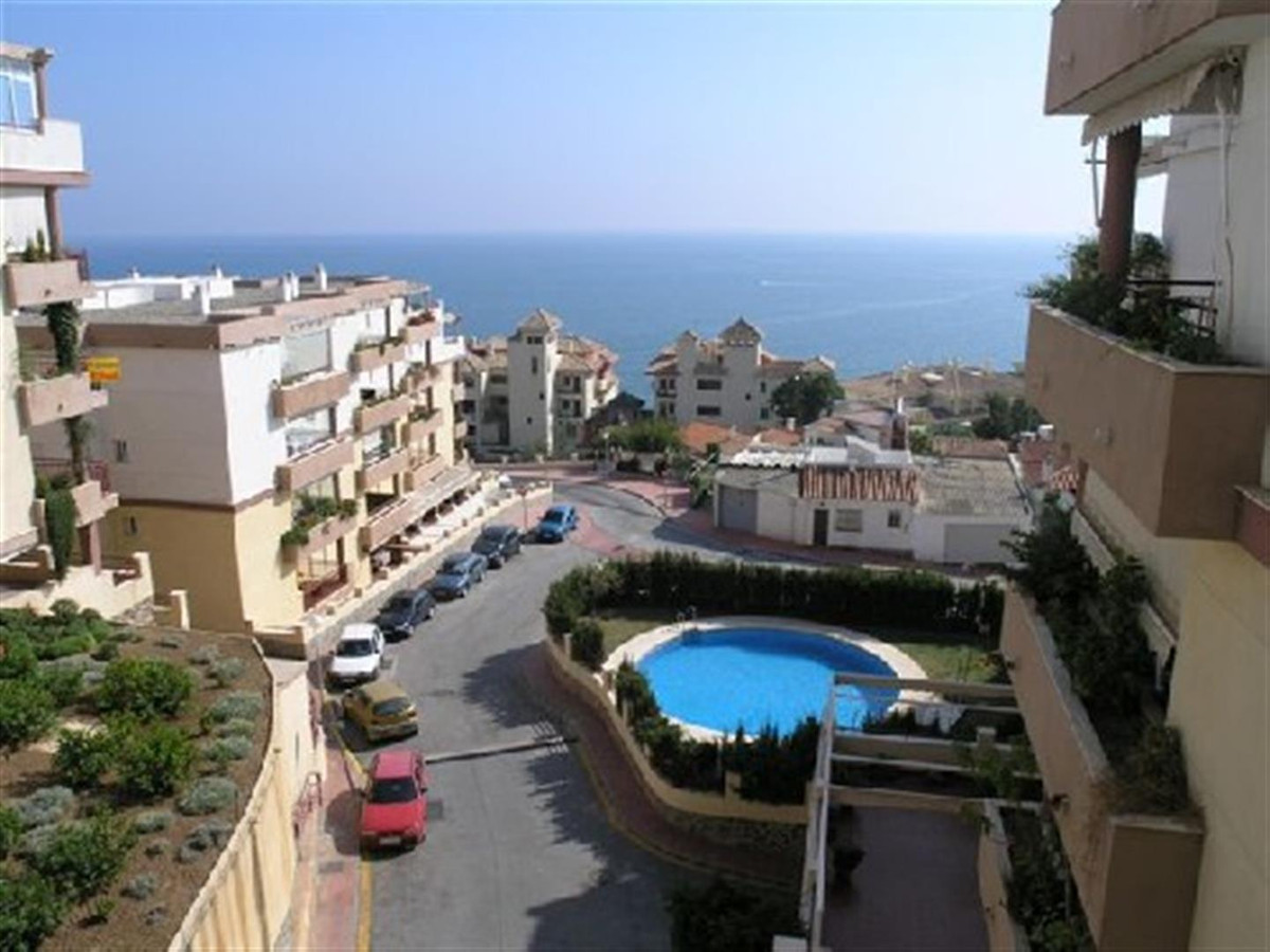 Apartment  Middle Floor 													for sale  																			 in Benalmadena