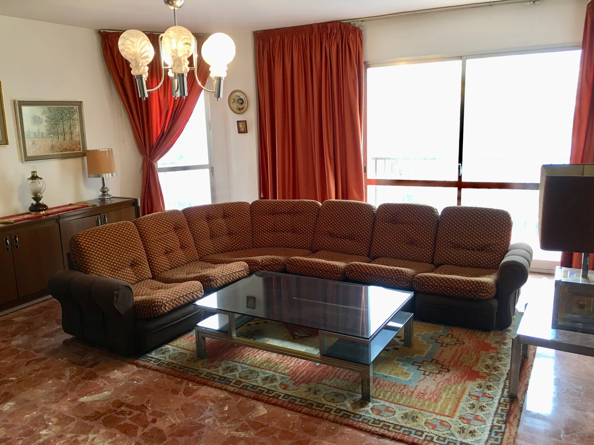 Fantastic apartment in the center of Fuengirola. 196 m2. 6 terraces. Spacious and light living room., Spain