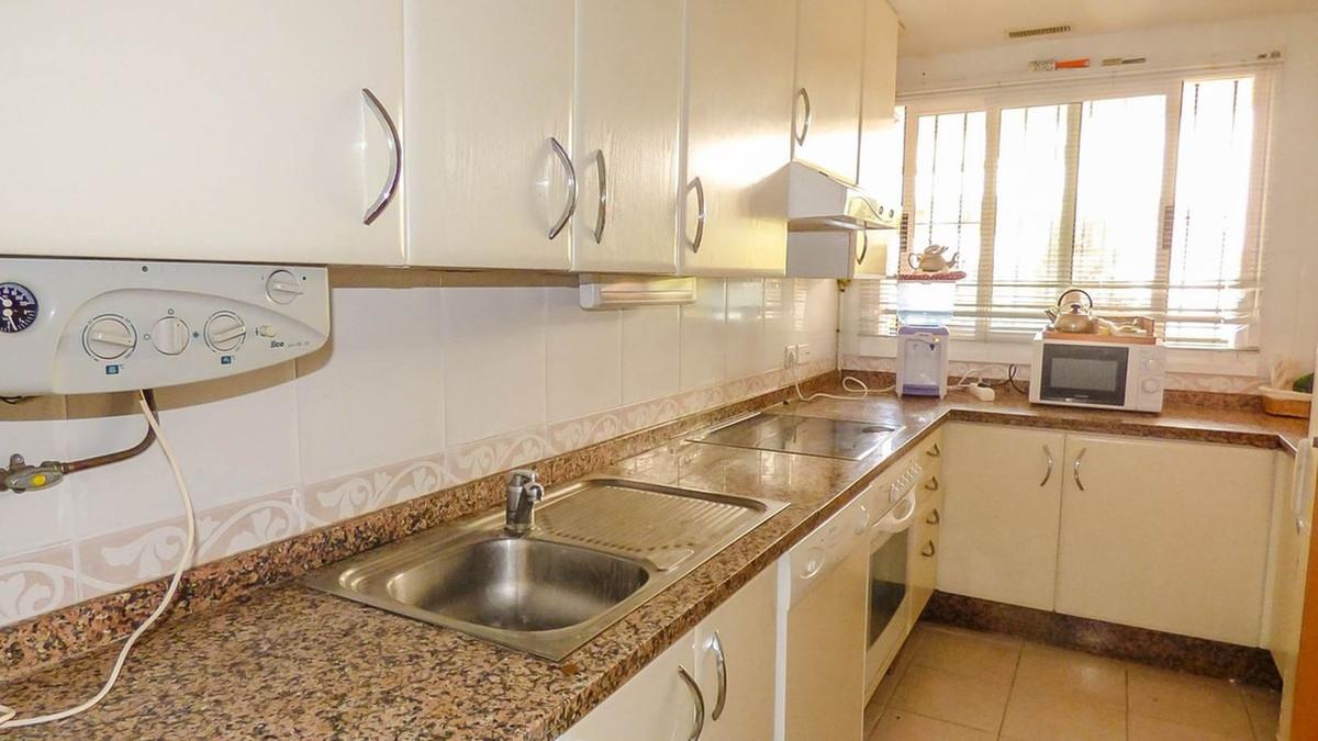Apartamento en Venta en Guadalmina Alta – R3811768