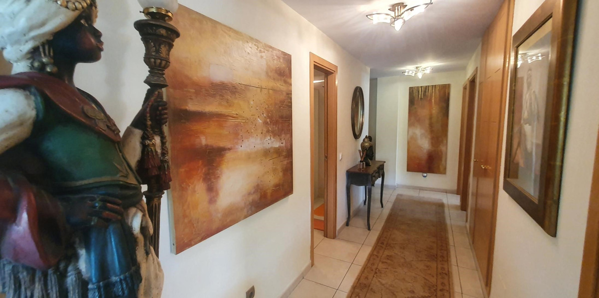 Middle Floor Apartment for sale in La Campana R3850915
