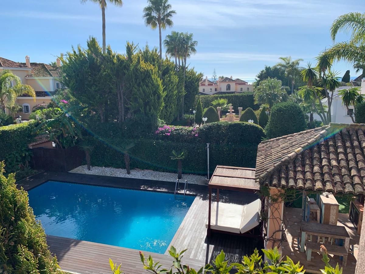 Gorgeous 5 Bed Villa in Prime Location with Sea Views  - Private garden - Private Swimming Pool - La,Spain