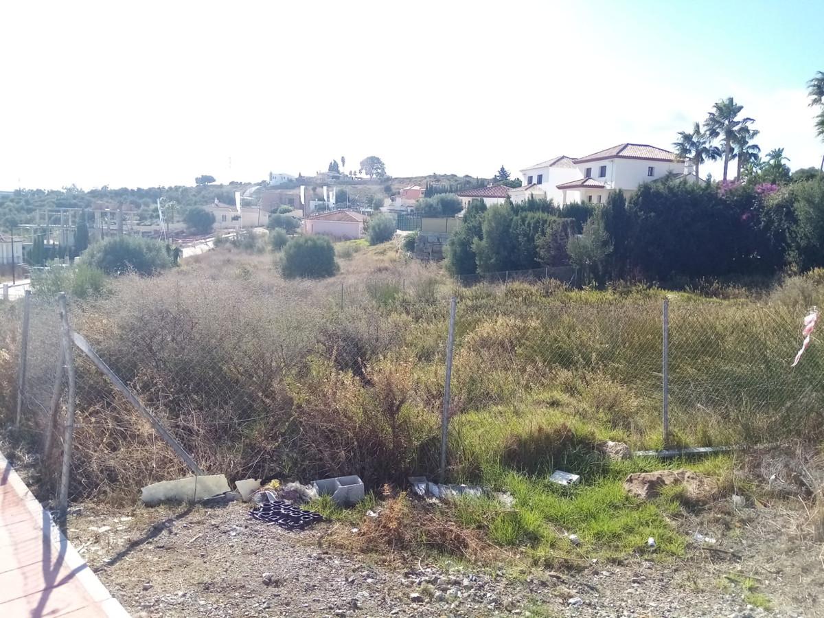 R3540310 | Residential Plot in Estepona – € 137,000