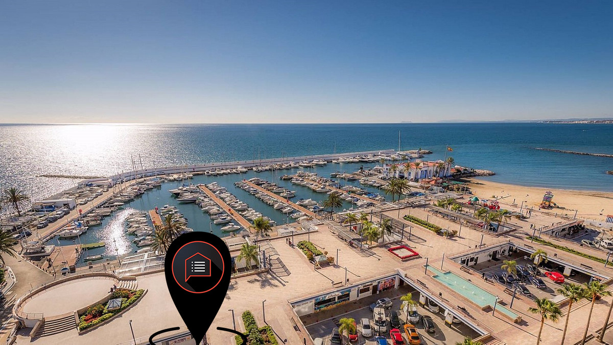 Bar/Restaurant TRESPASO or FREEHOLD on Port of Marbella.  20 meters from Port - 2nd line  Because of, Spain