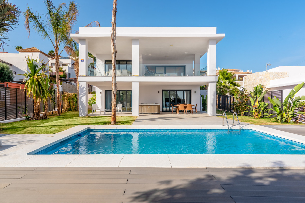 Unique and luxurious development of contemporary villas in Benalmadena with stunning sea views. Thes,Spain
