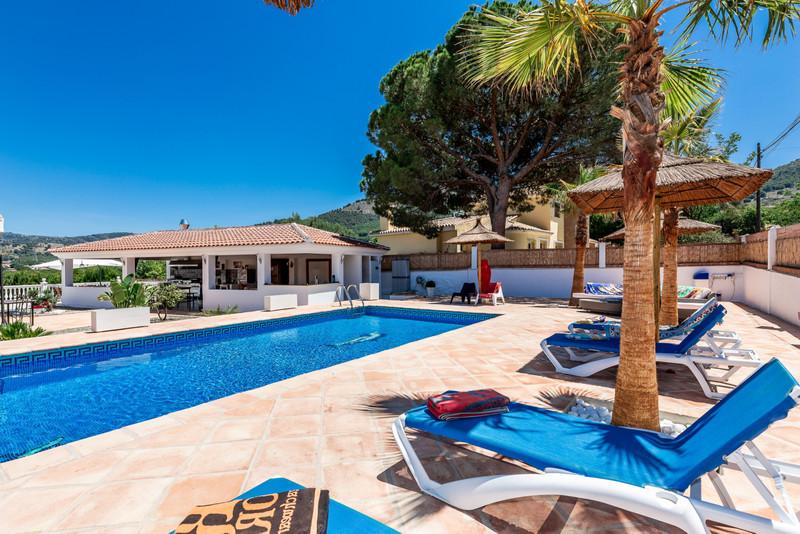 Villa – Chalet en venta en Alhaurín de la Torre – R3432589