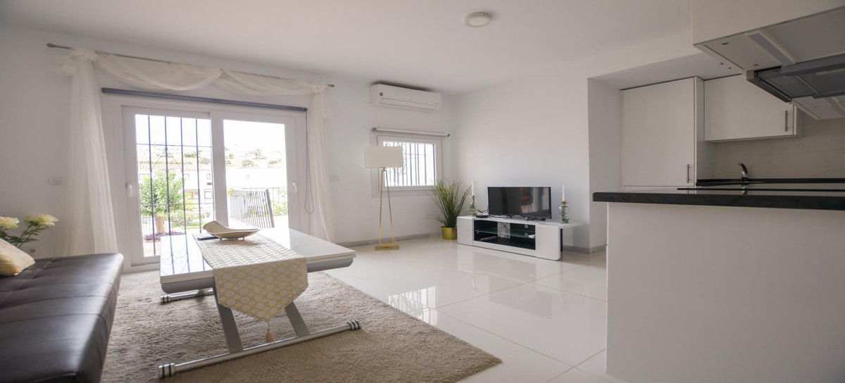 Listen up, ladies and gentlemen! Here comes the answer to your prayers - A renovated 2 bed apartment,Spain