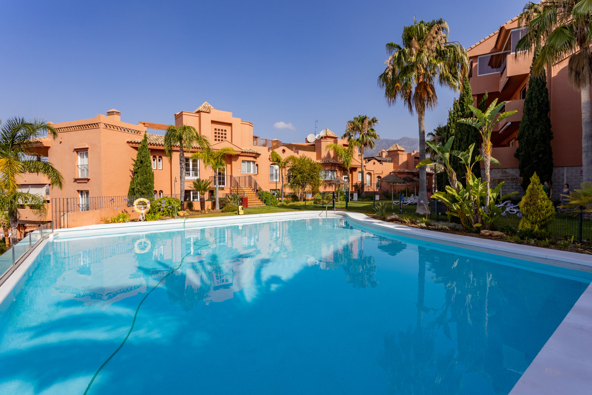 A beautiful and fresh apartment with sea and mountain views! It is located in a fantastic gated comm,Spain