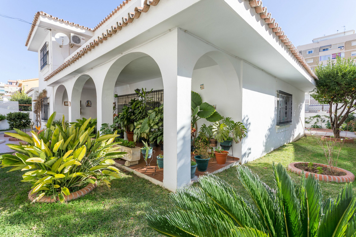 Great opportunity of a big and detached house in the centre of Fuengirola, Los Boliches!  Walking di, Spain