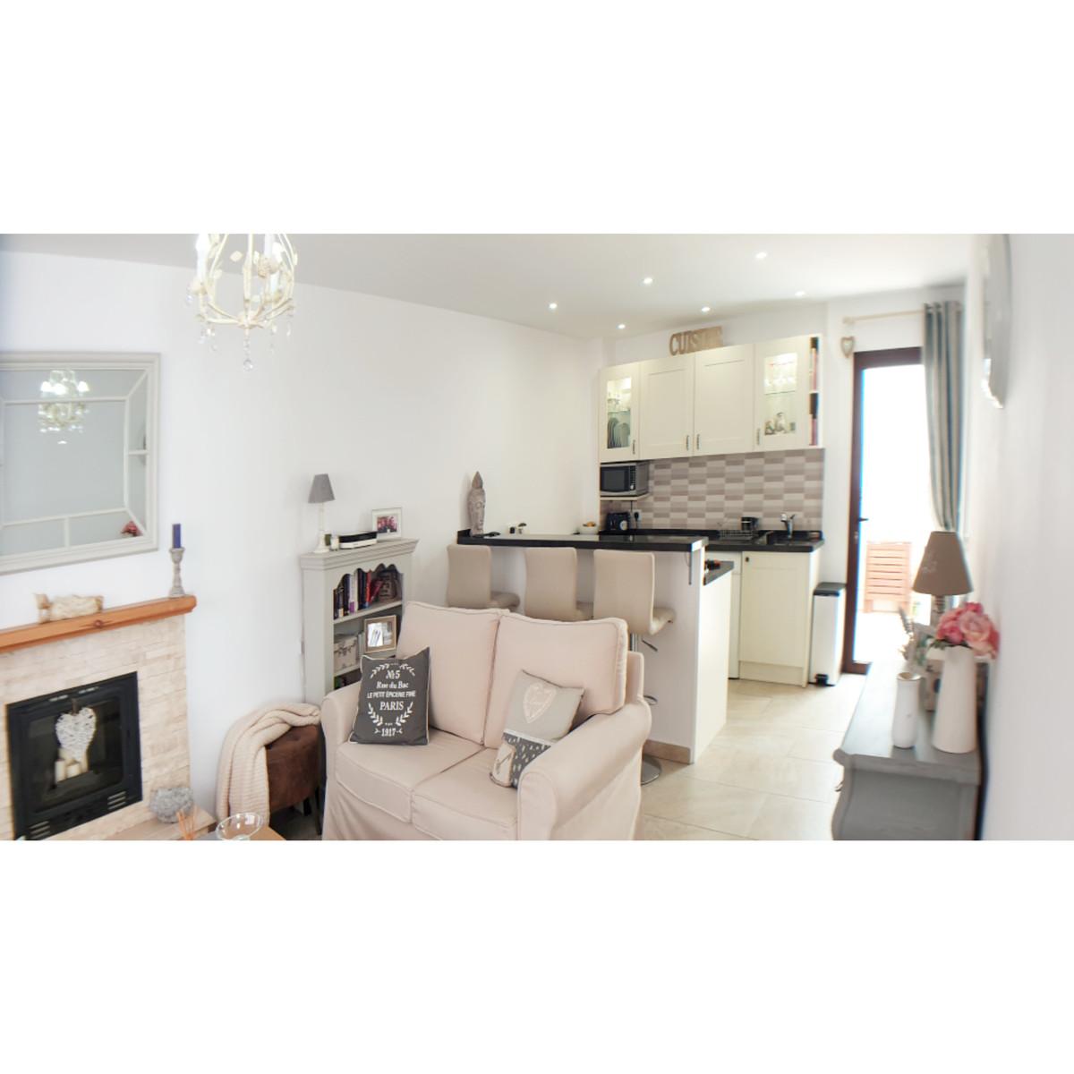 Ground Floor Apartment for sale in La Duquesa R3650111