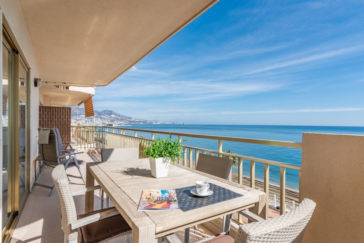 Fantastic first line beach apartment in Fuengirola! Located in a privileged area and very quite urba,Spain