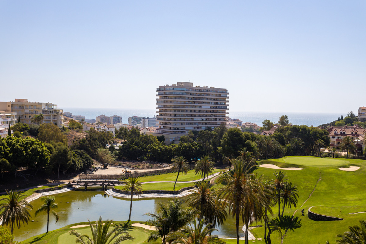 A large and bright townhouse located in Torrequebrada area, Benalmadena! It is located in a beautifu, Spain