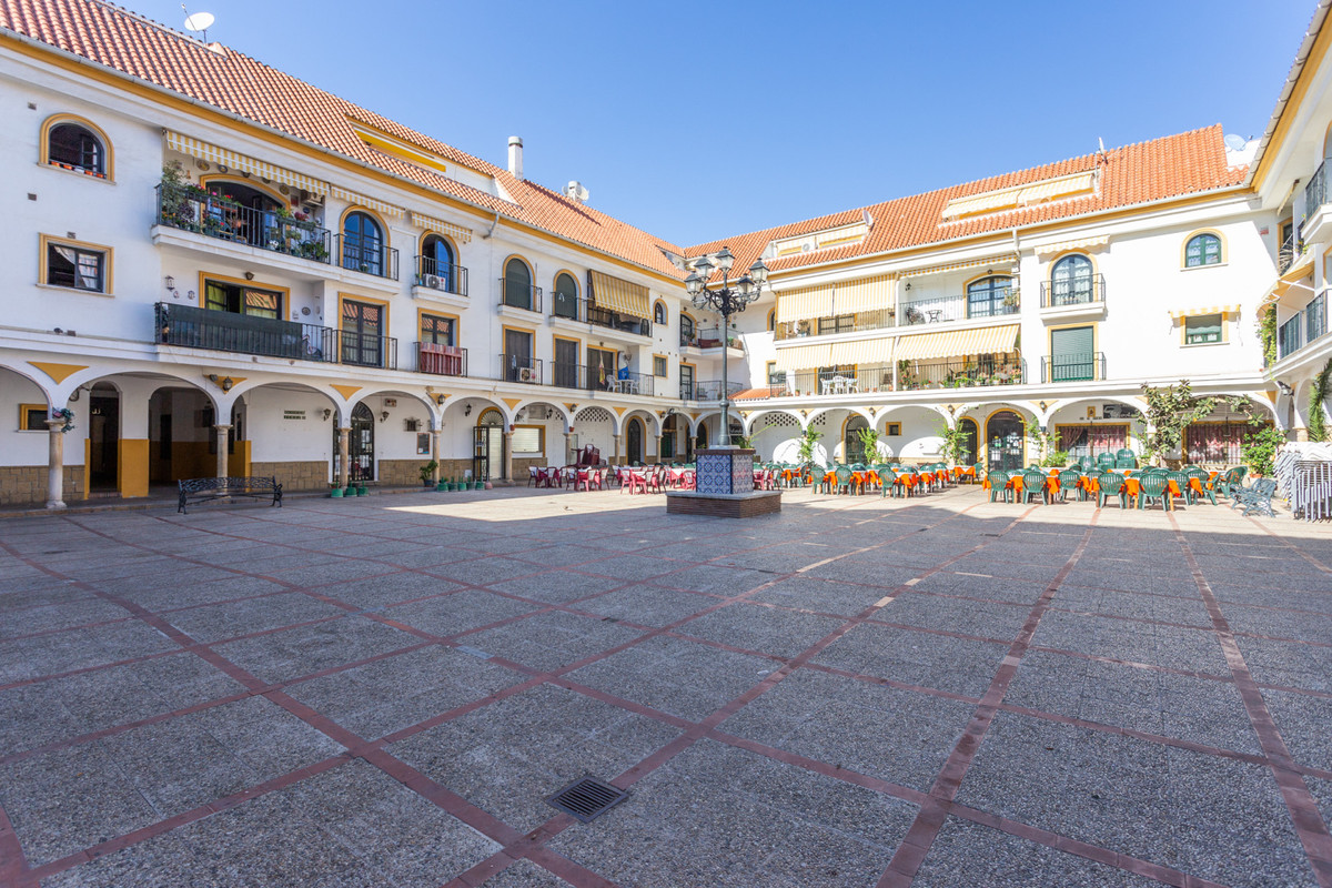LOCATION LOCATION LOCATION  Nice penthouse in the heart of Fuengirola right on the La Farola-Square.,Spain