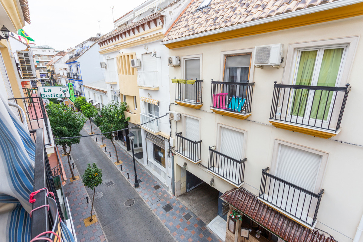 Nice apartment in the heart of Fuengirola. Located within walking distance to all the amenities! ThiSpain