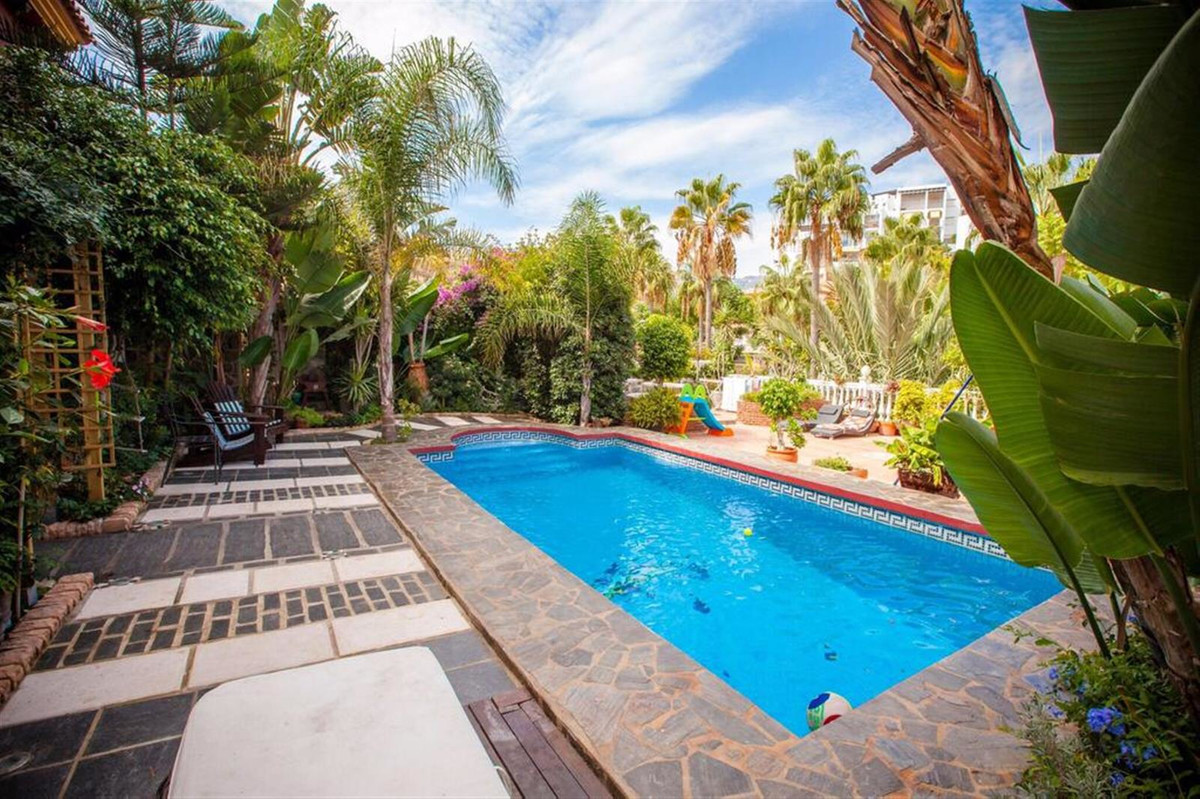 Detached Villa for sale in Benalmadena Costa R3651080