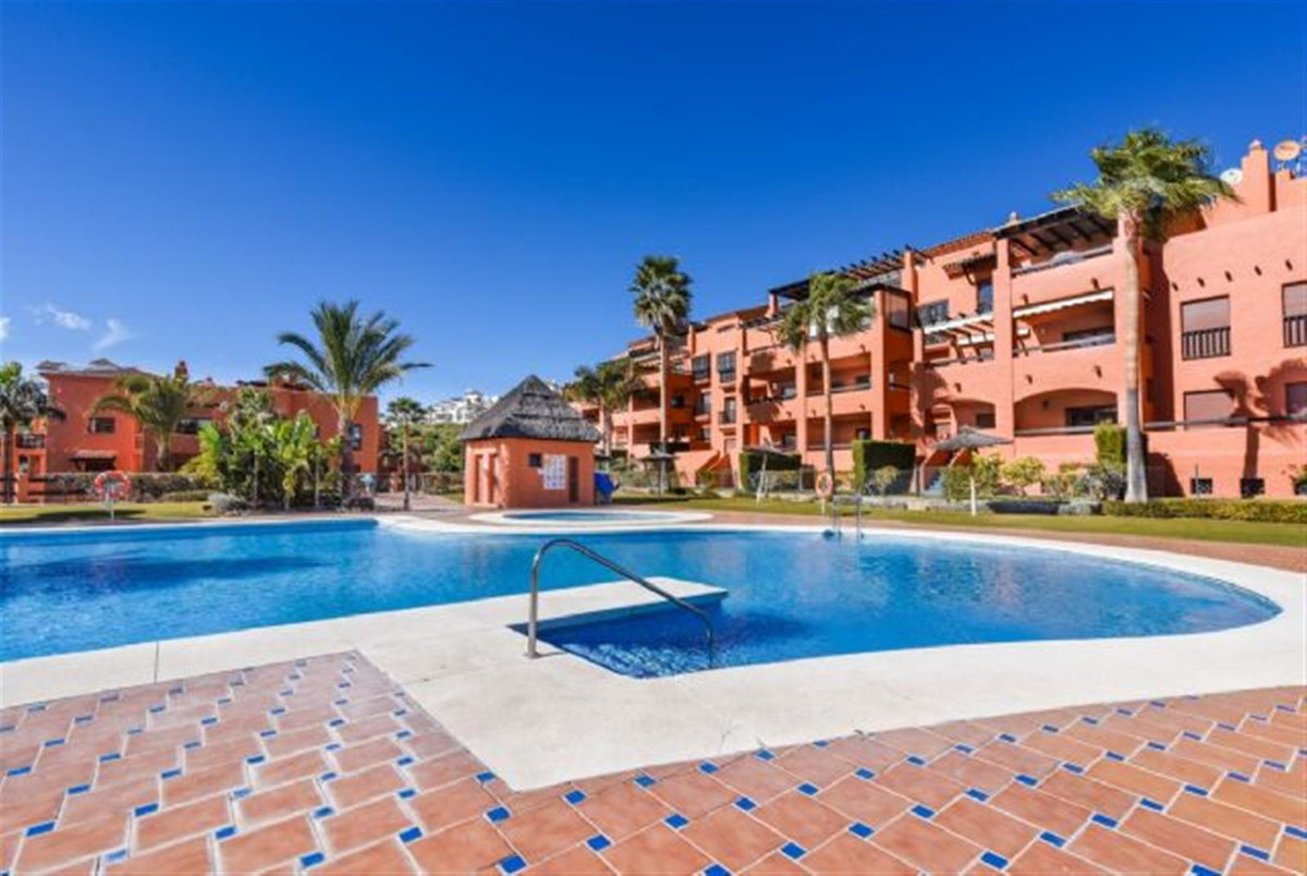 Immaculate Penthouse apartment located in Gazules del Sol.  This property comprises a spacious livin,Spain