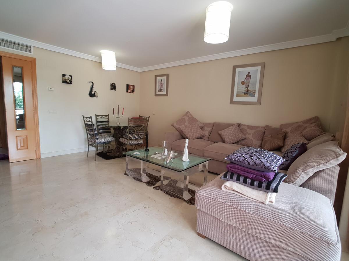 Apartamento en Venta en Selwo – R3249904