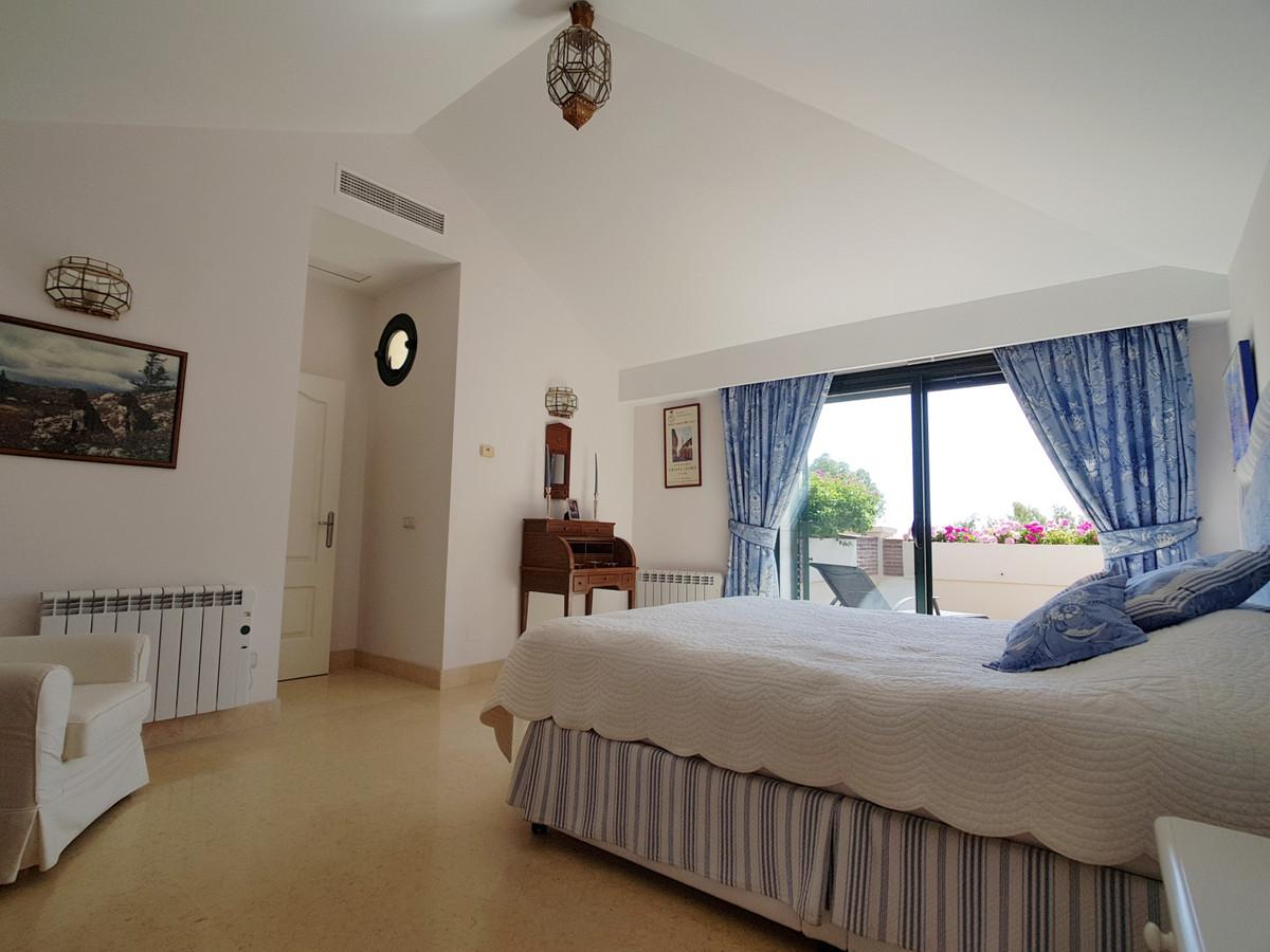 R3250021 | Penthouse in Benahavís – € 850,000 – 3 beds, 3.5 baths