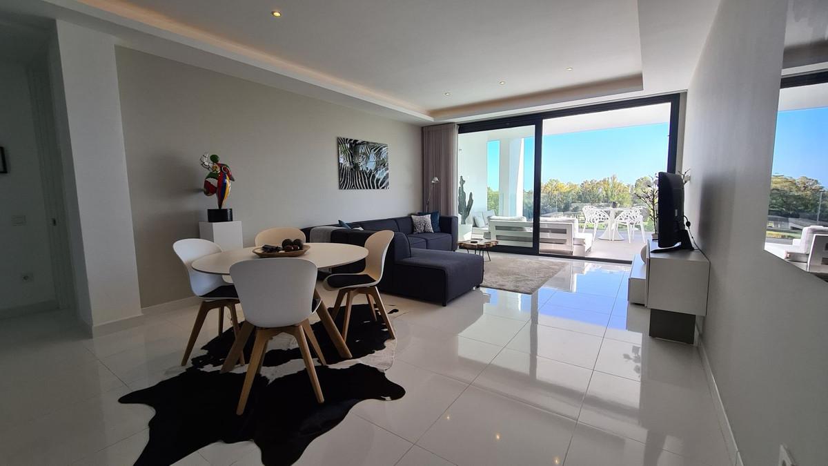 Apartamento Planta Media en Venta en Benahavís – R3266959
