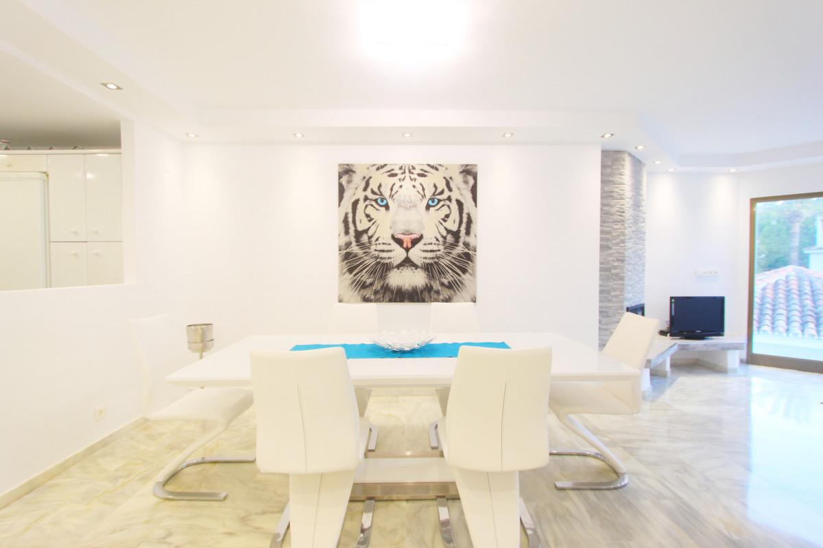 Apartamento  Ático en alquiler  en Elviria