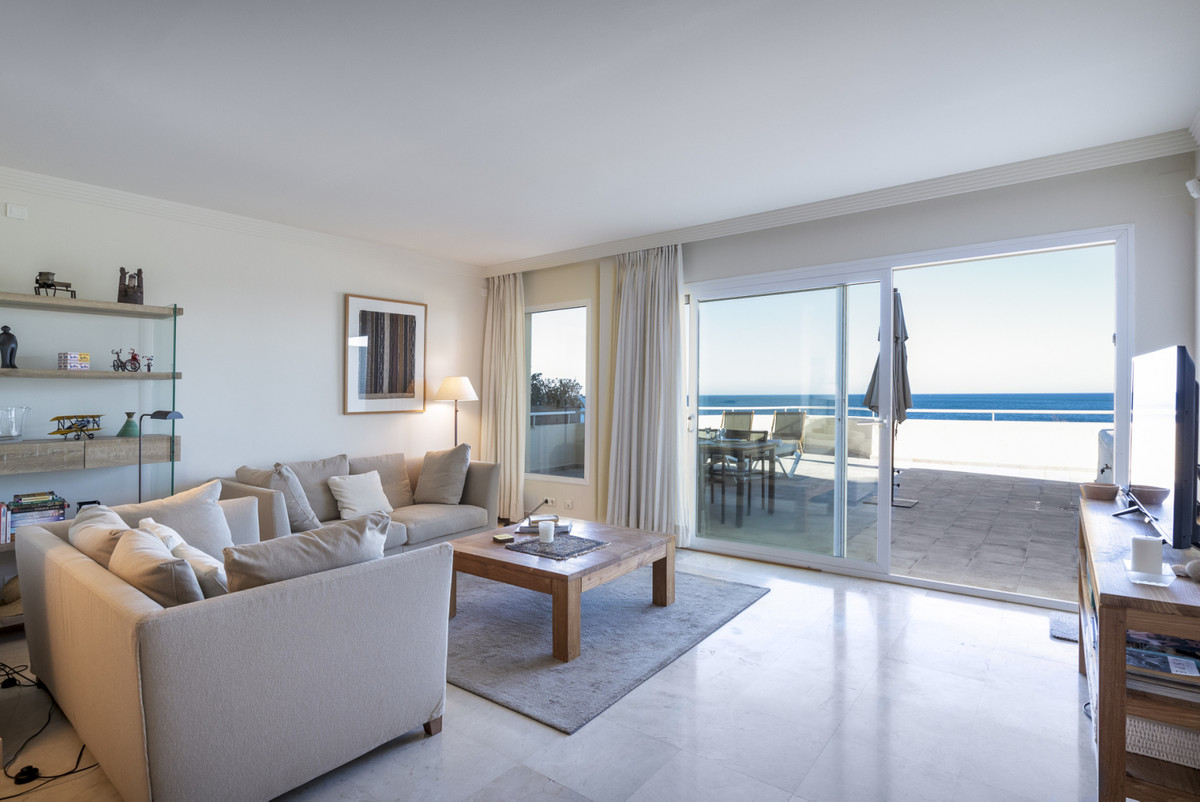 Situated only 5 minutes west of Estepona, and 25 minutes from the luxury of Puerto Banus and Marbell,Spain