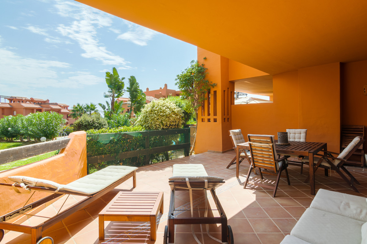 Situated in a closed complex just outside Estepona, at a short distance to the beach and all ameniti,Spain