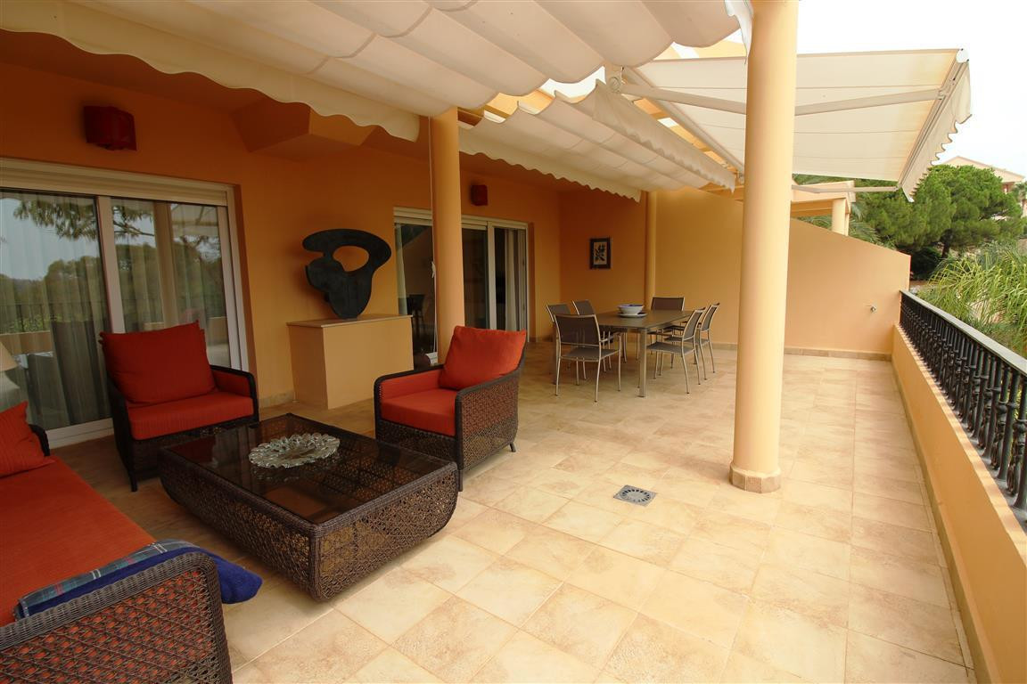 This beautiful, well maintained apartment is situated in a closed urbanisation in Nueva Andalucia. T,Spain