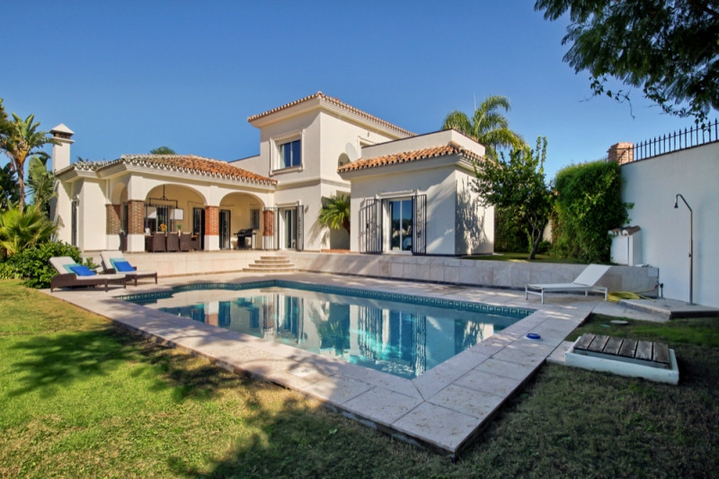 Cerrado del Aguila Golf, Mijas Costa; Immaculate 4 bed contemporary villa.  You will love this gener, Spain