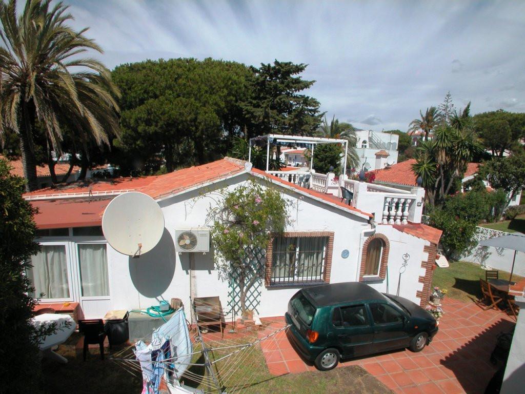 Detached Villa · El Faro